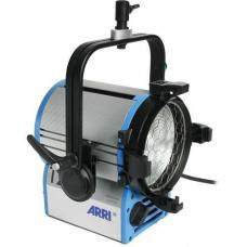 ARRI T2 Location Fresnel - 2000 Watts, Stand Mount (120-240VAC) L3.41250.0
